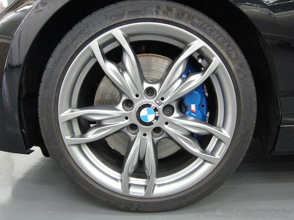 BMWM135iガラスコーティング施工、アルミホィール画像