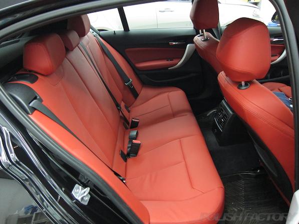 BMWM135iガラスコーティング施工、リアシート画像