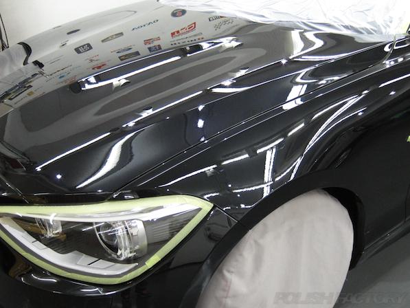 BMWM135iガラスコーティング施工、下地処理中画像