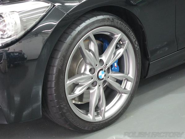 BMWM135iガラスコーティング施工、アルミホィールコーティング施工後の画像