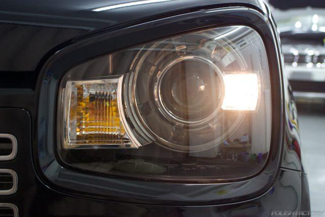 ガラスコーティングで入庫中のスズキアルトワークス新車のポジションライト画像