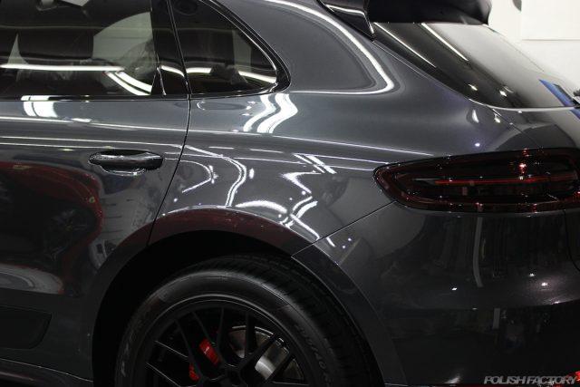 ポルシェマカンGTSの新車にコーティング施行