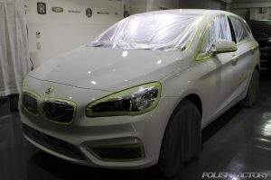 BMW・218dアクティブツアラー入庫ガラスコーティング施工事例|東京都武蔵野市より