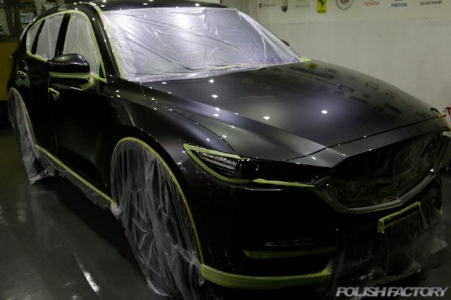 マツダCX-5のボディにカーコーティング施行マスキング画像