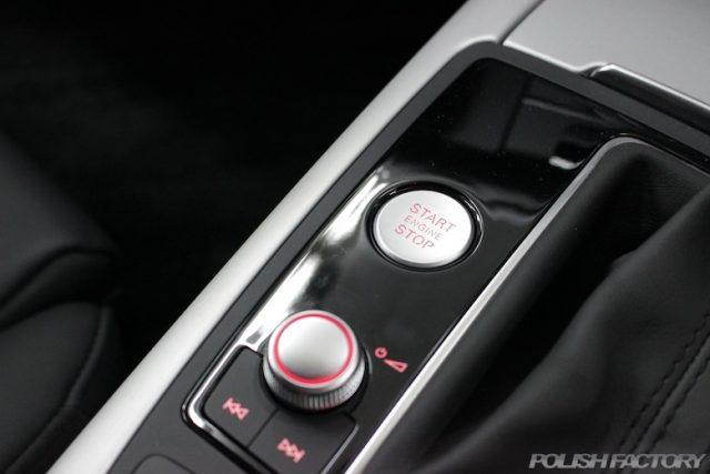 中野区よりガラスコーティングでお越しのアウディA7スポーツバックのエンジンスタートボタン画像