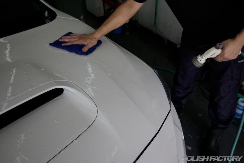 良質のマイクロファイバーでの洗車は時短になります。慣れれば素晴らしい仕上がりに!!