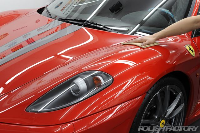 Ferrariコーティング後の拭き取り画像