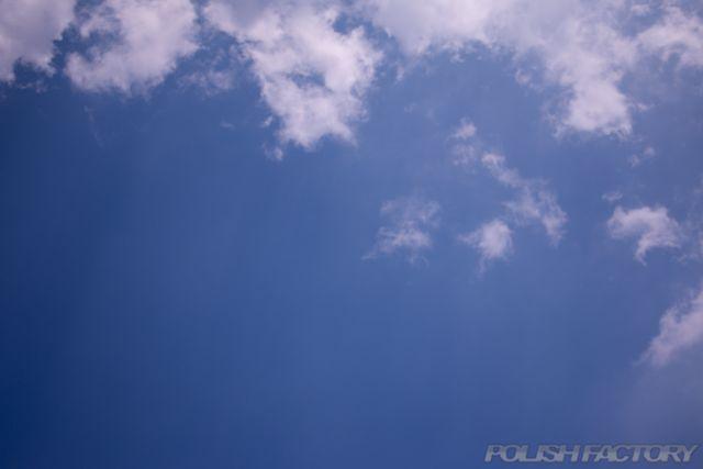 初夏から夏は紫外線が強くなります。空画像