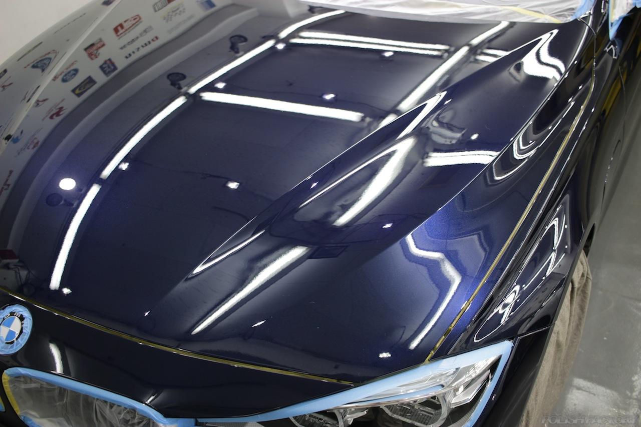 BMW330eのガラスコーティングで入庫中の磨き後の画像