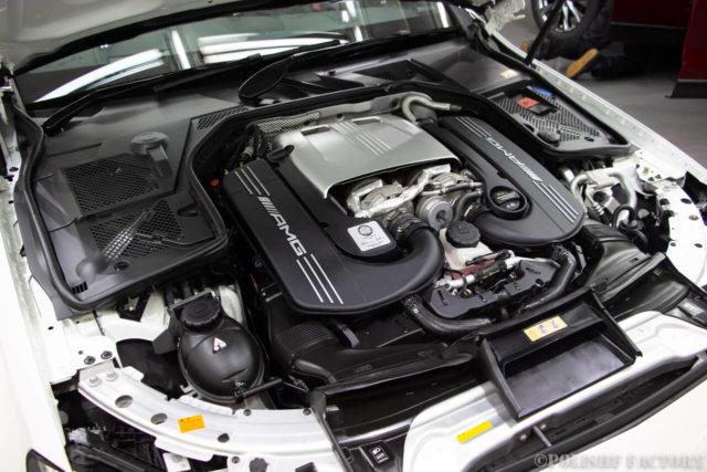 C63SのAMGエンジン画像