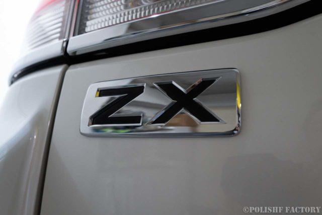 トヨタランドクルーザー200ZX磨きコーティング時のZXエンブレム画像