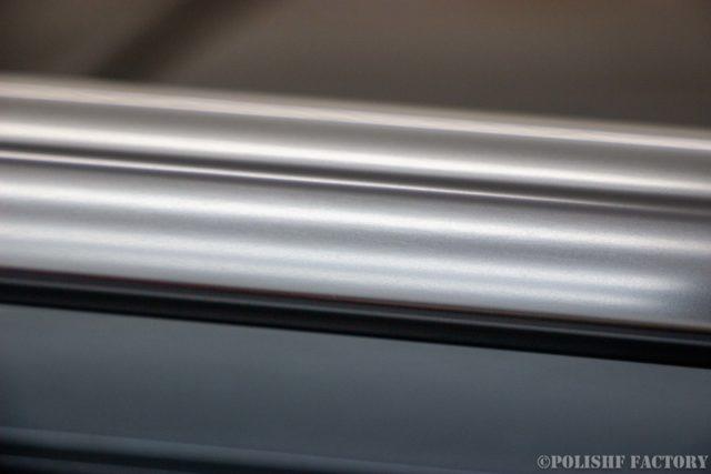 小山薫堂さんの愛車、MercedesBenz E63 AMGステーションワゴンのアルミモール、メッキモールシミ除去後の画像