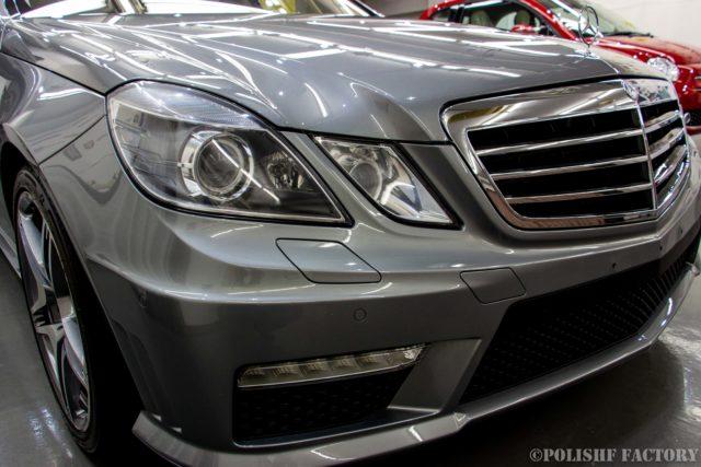 小山薫堂さんの愛車、MercedesBenz E63 AMGステーションワゴンのコーティング後のキレイな画像