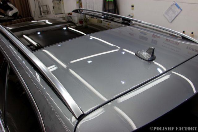 小山薫堂さんの愛車、MercedesBenz E63 AMGステーションワゴンのコーティング後のキレイなルーフ画像