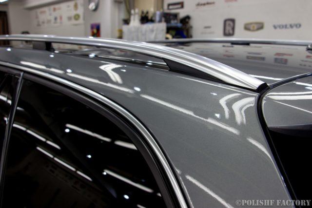 小山薫堂さんの愛車、MercedesBenz E63 AMGステーションワゴンのコーティング後のキレイになったピラー部の画像