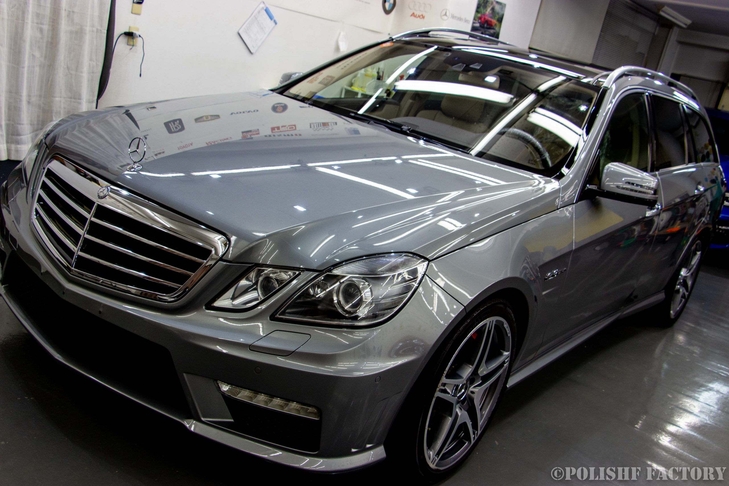 小山薫堂さんの愛車、MercedesBenz E63 AMGステーションワゴンの磨きコーティング後のキレイになった最終画像