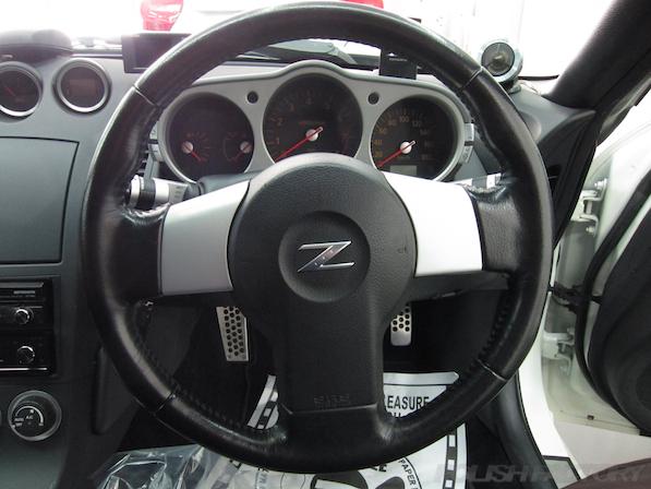 日産 フェアレディZ Z33ガラスコーティング施工ハンドル画像