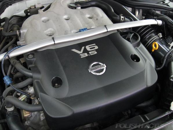 日産 フェアレディZ Z33ガラスコーティング施工エンジンルーム画像