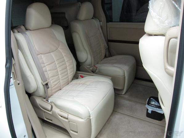 トヨタアルファードにガラスコーティング、座席画像