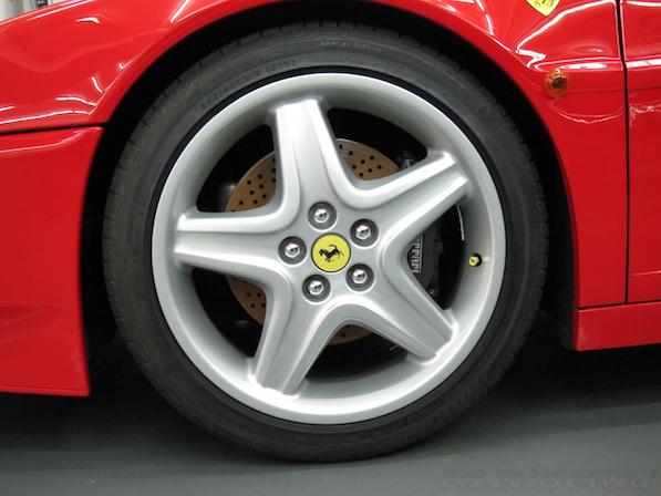 フェラーリFerrari512TRにガラスコーティング、アルミホィールコーティング