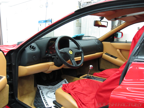 フェラーリFerrari512TRにガラスコーティング、内装