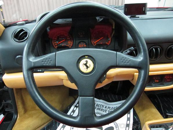 フェラーリFerrari512TRにガラスコーティング、ハンドル