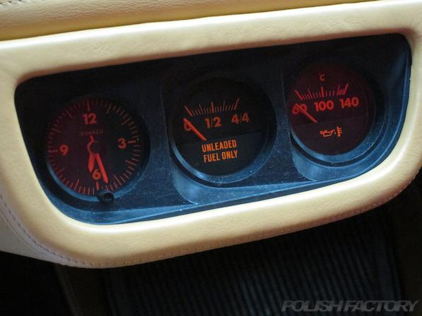 フェラーリFerrari512TRにガラスコーティング、3連メーター