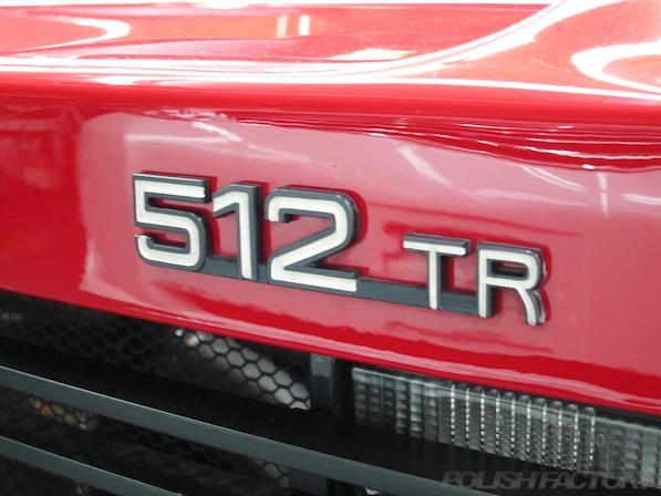 フェラーリFerrari512TRにガラスコーティング、エンブレム