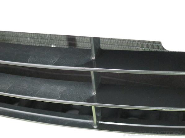 トヨタアルファードにガラスコーティング、黒樹脂部コーティングビフォーアフター画像