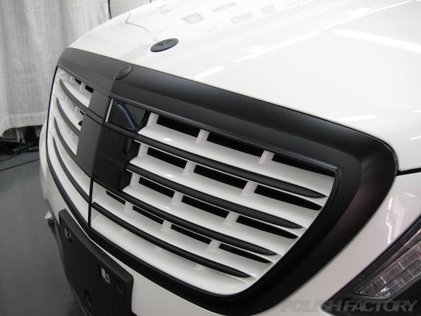 メルセデス・ベンツ S63 AMG 4マチックロングガラスコーティング施工、グリル画像