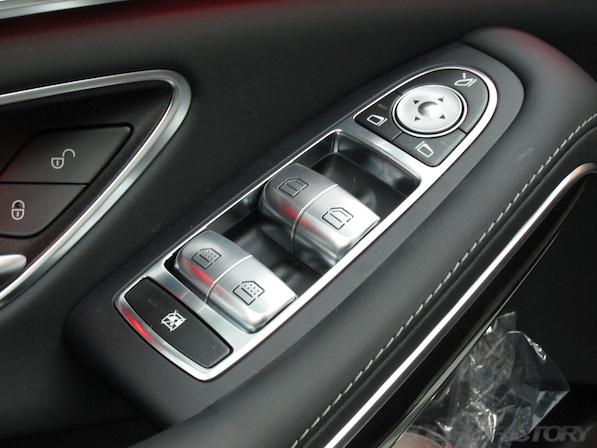 メルセデス・ベンツ S63 AMG 4マチックロングガラスコーティング施工、パワーウィンドースィッチ画像