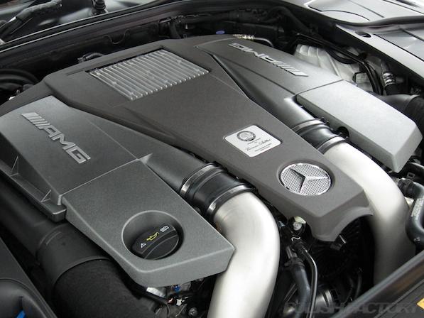 メルセデス・ベンツ S63 AMG 4マチックロングガラスコーティング施工、AMGエンジン画像