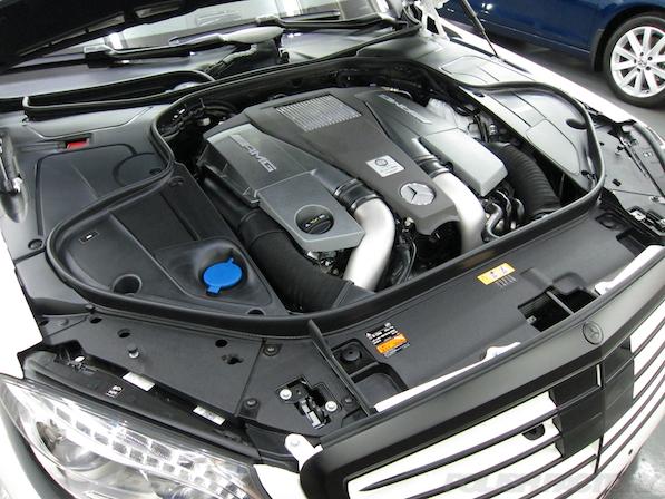 メルセデス・ベンツ S63 AMG 4マチックロングガラスコーティング施工、エンジンコーティング画像
