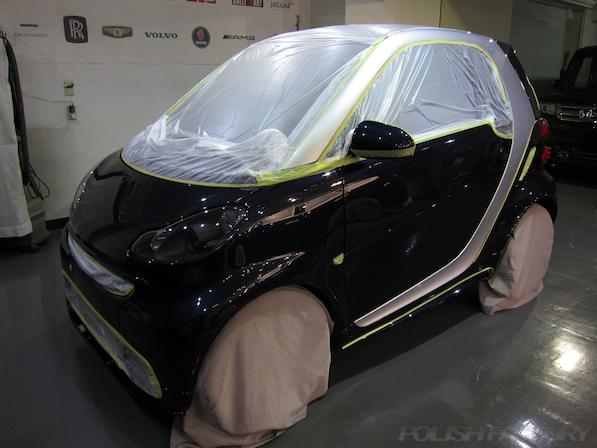 BRABUS エクスクルーシブ エディション ミッドナイトブルーにガラスコーティング施工マスキング画像