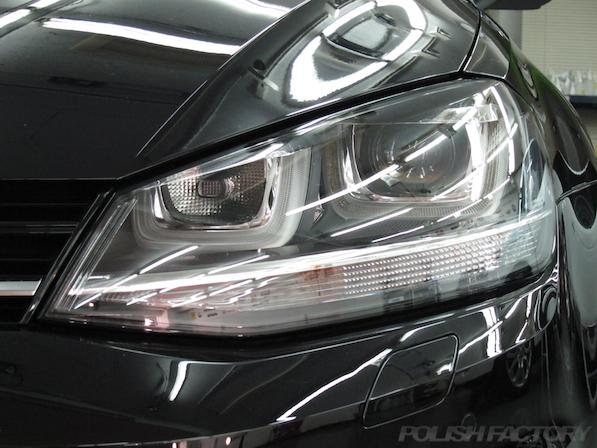 VW フォルクスワーゲン ゴルフヴァリアントにガラスコーティング施工ヘッドライト画像