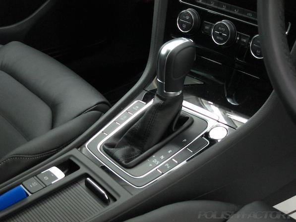 VW フォルクスワーゲン ゴルフヴァリアントにガラスコーティング施工シフト画像