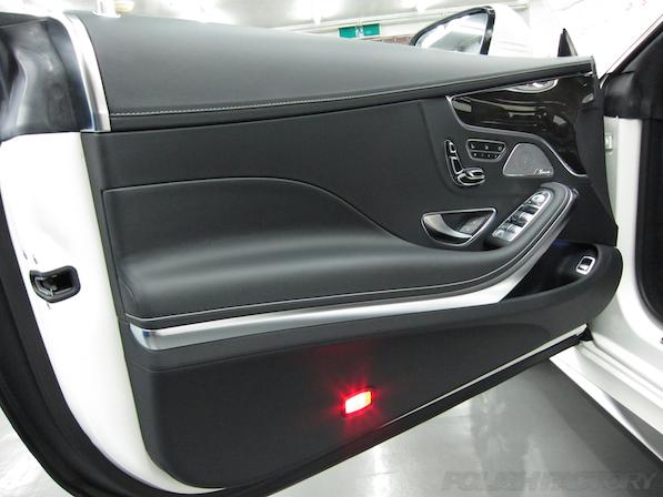 メルセデス・ベンツ S63 AMG 4マチッククーペにガラスコーティング施工、ドア内張画像