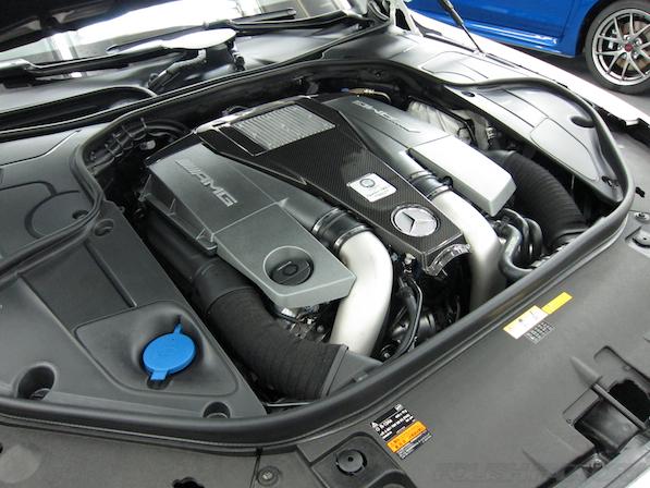 メルセデス・ベンツ S63 AMG 4マチッククーペにガラスコーティング施工、AMGエンジン画像