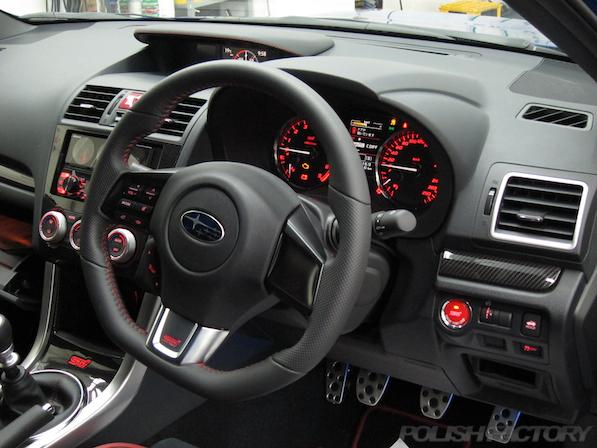 スバル WRX STI Type Sガラスコーティング施工ハンドル画像