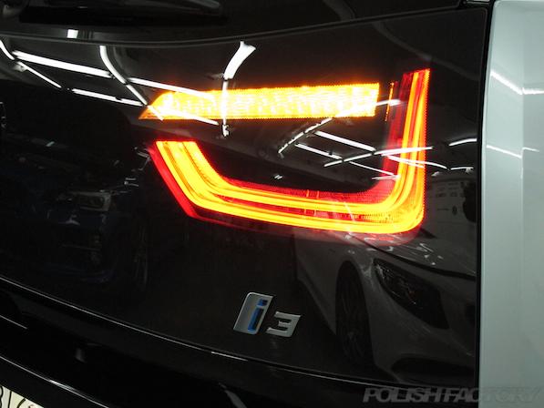 BMW i3 レンジエクステンダー装着車ガラスコーティング施工テールレンズ画像