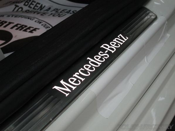 メルセデス・ベンツ B250のガラスコーティング施工時のスカッフプレート画像