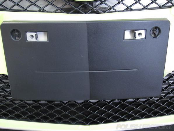 メルセデス・ベンツ B250のガラスコーティング施工時の黒樹脂部施工画像