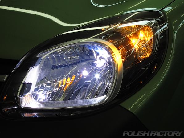 ルノー カングー ペイザージュの新車のガラスコーティング施工HIDライト画像