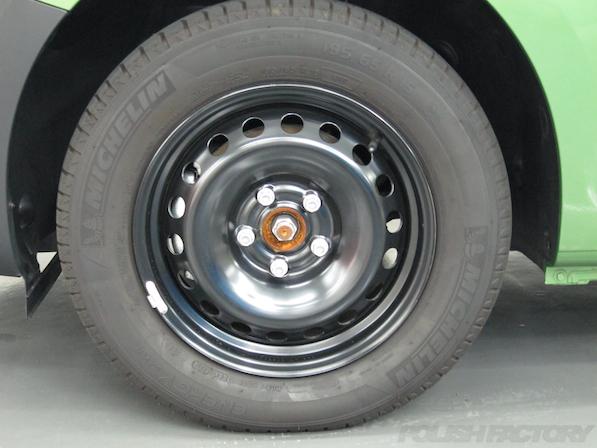 ルノー カングー ペイザージュの新車のガラスコーティング施工テッチンホィール画像