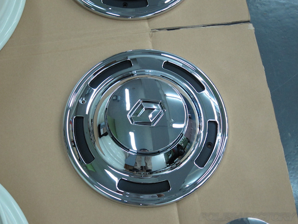 ルノー カングー ペイザージュの新車のガラスコーティング施工センターキャップ画像