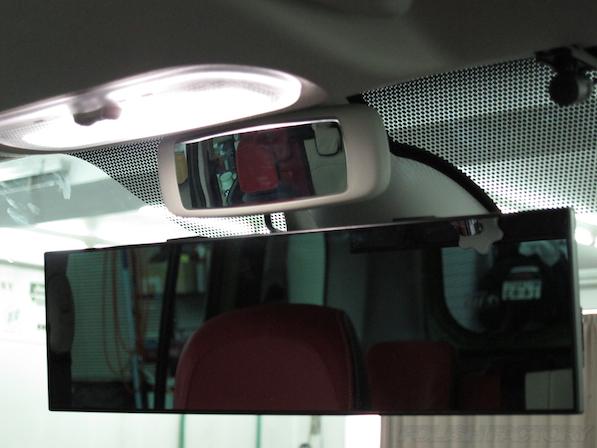 ルノー カングー ペイザージュの新車のガラスコーティング施工ミラー画像