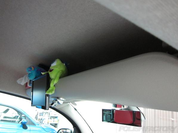 ルノー カングー ペイザージュの新車のガラスコーティング施工リアモニター画像