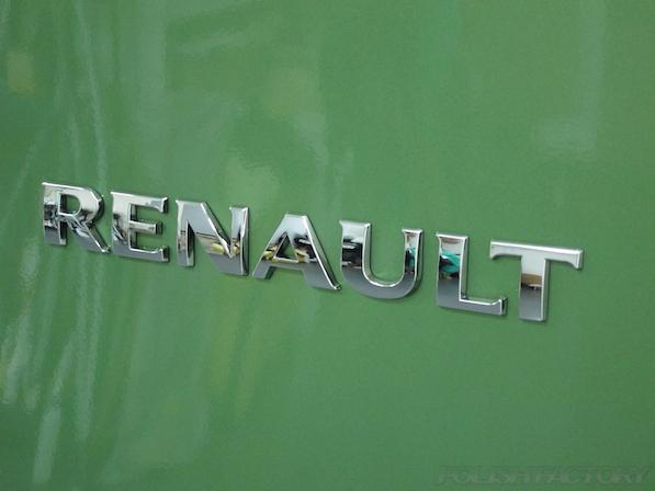 ルノー カングー ペイザージュの新車のガラスコーティング施工エンブレム画像