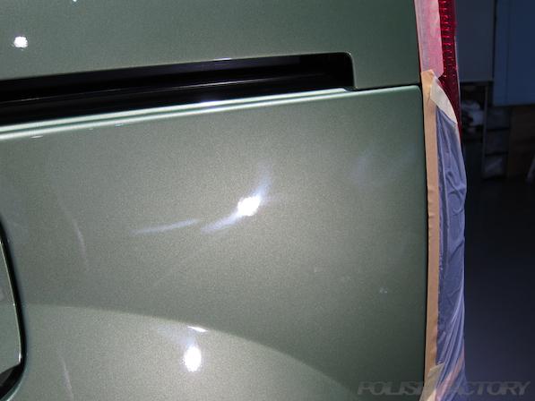 ルノー カングー ペイザージュの新車のガラスコーティング施工純正傷画像