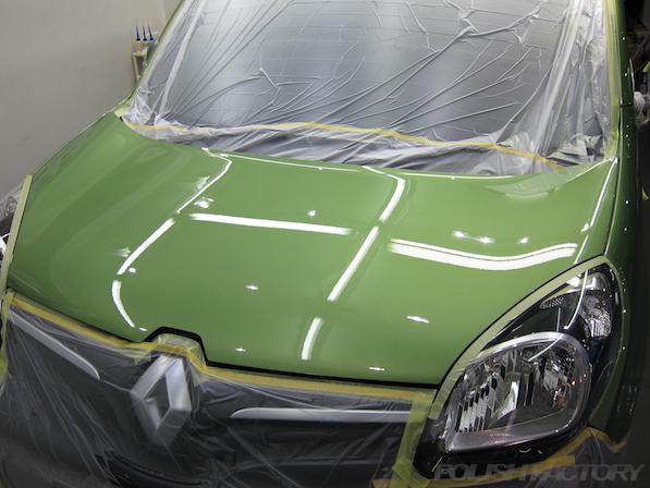ルノー カングー ペイザージュの新車のガラスコーティング施工下地処理終了画像